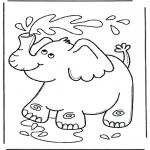 Animais - Elefante chupa água